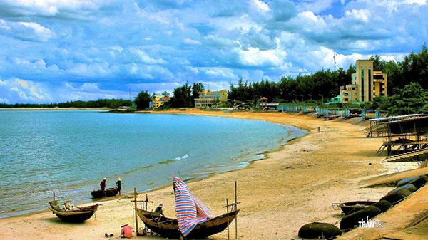 Bãi biển Cửa Tùng – Quảng Trị
